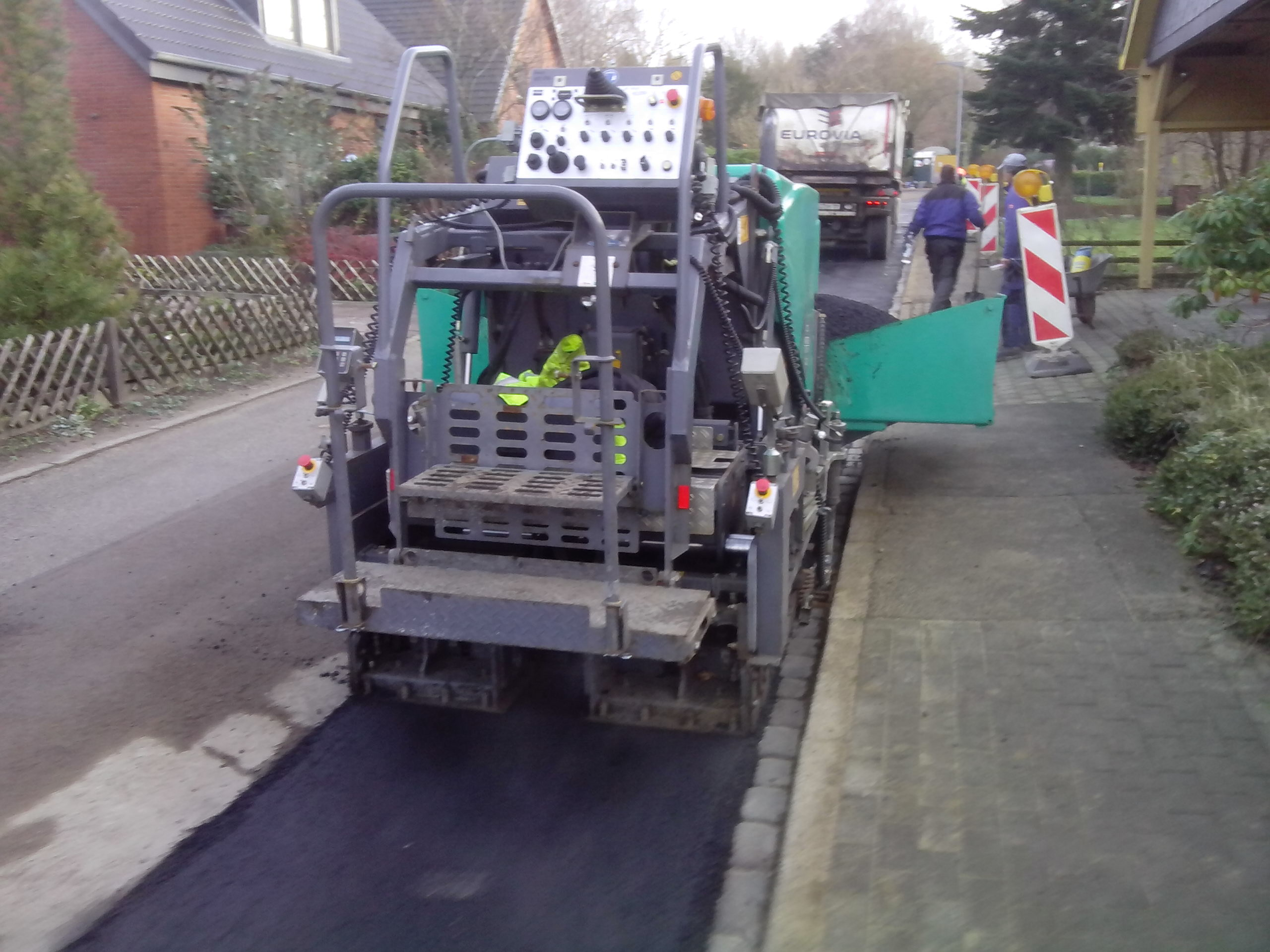 Straßenbau, Asphaltfertiger